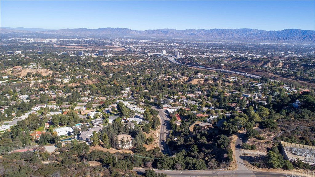 Property for sale at 15919 Mulholland Place, Los Angeles,  CA
