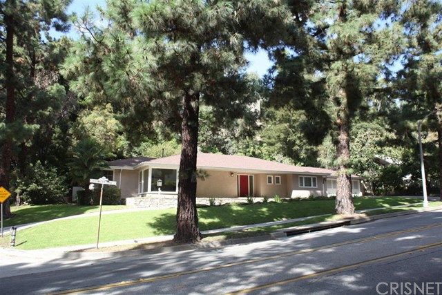 Single Family Home for Sale at 1151 Coldwater Canyon Drive 1151 Coldwater Canyon Drive Beverly Hills, California 90210 United States