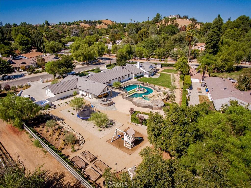 Property Listing: 5382 Scott Robertson Drive, Hidden Hills