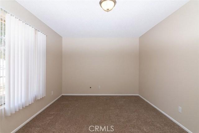 40638 173rd E Street, Lake Los Angeles CA: http://media.crmls.org/mediascn/73edd663-213c-4534-9edb-bd586a191ba3.jpg