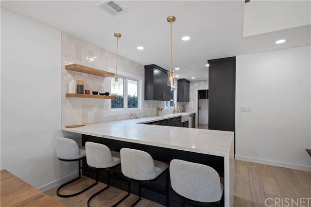 13211 Cumpston Street, Sherman Oaks CA: http://media.crmls.org/mediascn/740870be-e8cc-4832-8955-d65127155729.jpg