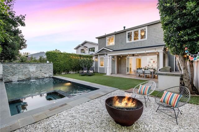 3761 Mound View Avenue, Studio City CA: http://media.crmls.org/mediascn/742f7736-2394-4549-8d2a-6237fdeaaf2a.jpg