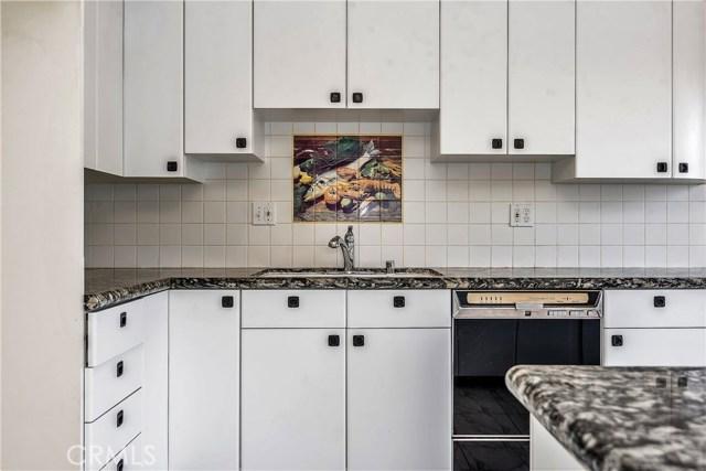 11702 Monogram Avenue, Granada Hills CA: http://media.crmls.org/mediascn/747509f8-56e1-4f58-aa95-a1d11f7787d0.jpg