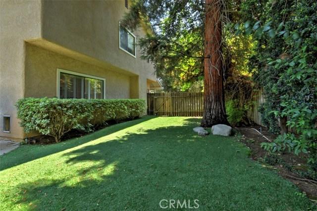 23307 Weller Place, Woodland Hills CA: http://media.crmls.org/mediascn/7478962a-e379-4dd5-b41e-7edc2406bec7.jpg