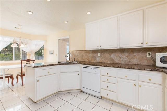 7519 Melvin Avenue, Reseda CA: http://media.crmls.org/mediascn/74924b65-f10c-4055-8b1b-a0d80c425224.jpg
