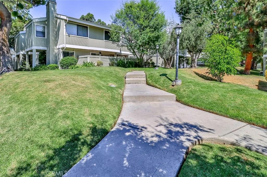 Photo of 22119 BURBANK BOULEVARD #6, Woodland Hills, CA 91367