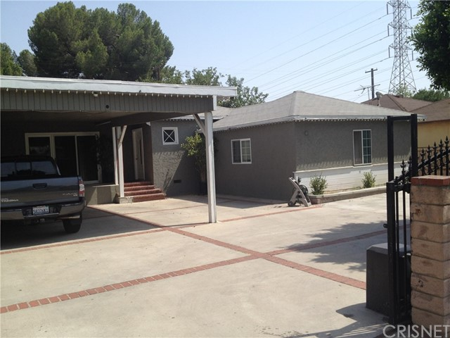 14126 Pierce Street, Arleta CA: http://media.crmls.org/mediascn/74c13ff7-e2e5-4dfc-9c84-0441cb6fd4e0.jpg