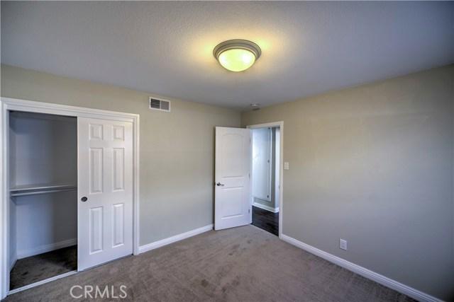 43743 Fern Avenue, Lancaster CA: http://media.crmls.org/mediascn/74c65762-aa3c-42f2-813e-4bf9ec8212cc.jpg