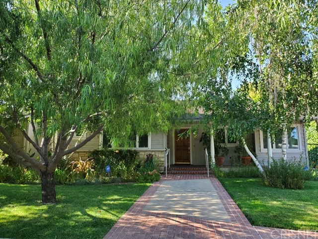 Photo of 14023 Weddington Street, Sherman Oaks, CA 91401
