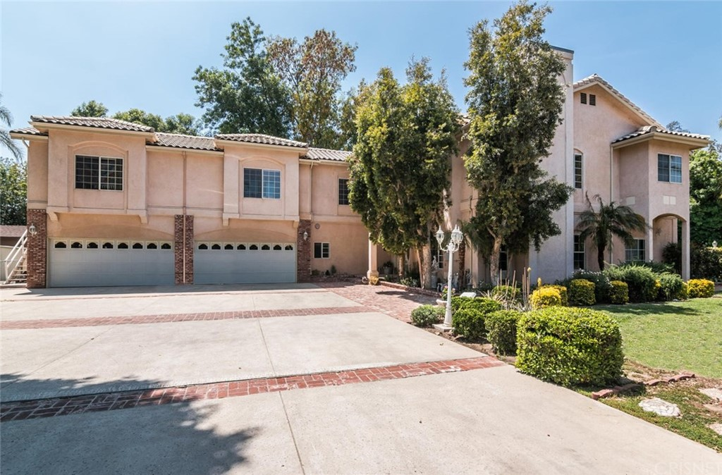 Photo of 10625 INDEPENDENCE AVENUE, Chatsworth, CA 91311