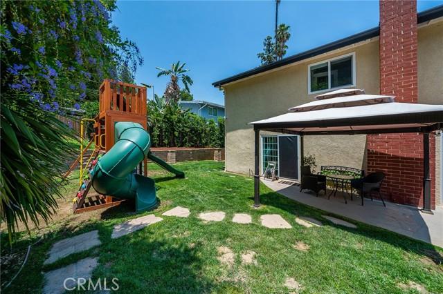 20324 Reaza Place, Woodland Hills CA: http://media.crmls.org/mediascn/74eaee17-0b5b-4cad-90b9-7c56452d3fe8.jpg
