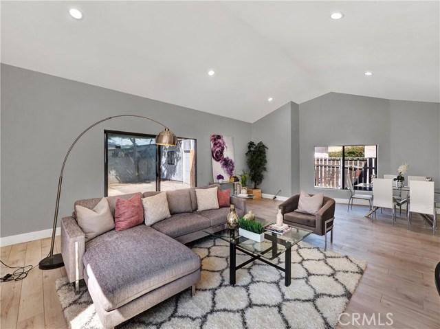 2617 S Spaulding Avenue, Los Angeles CA: http://media.crmls.org/mediascn/74ebd9b3-4258-4b54-b87f-04fd553adcd7.jpg