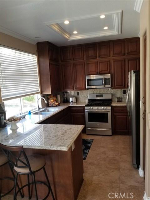 23853 Laurelwood Lane, Valencia CA: http://media.crmls.org/mediascn/750870fe-033a-4128-91cc-792031ecf6e1.jpg