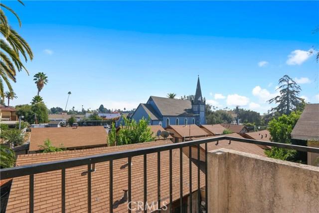 736 N Garfield Avenue, Pasadena CA: http://media.crmls.org/mediascn/75127713-b8a8-49f6-9cdf-0ec7bed6d77f.jpg