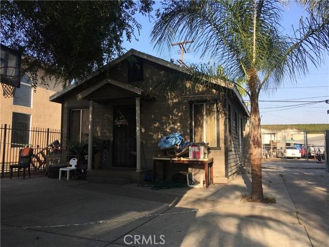9313 S Broadway, Los Angeles CA: http://media.crmls.org/mediascn/75374f1e-4731-47c9-8848-ab5c27399e43.jpg
