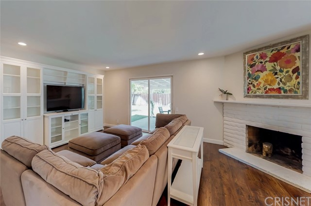 6532 Gross Avenue, West Hills CA: http://media.crmls.org/mediascn/756a46b5-7ad1-4ddc-8087-cf1008642152.jpg