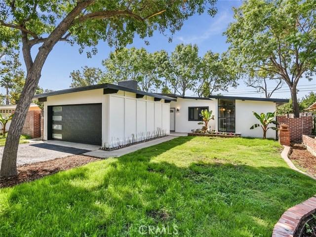17970 Hatton Street, Reseda CA: http://media.crmls.org/mediascn/758edd2d-2184-494c-a8b4-14c99e7422d4.jpg