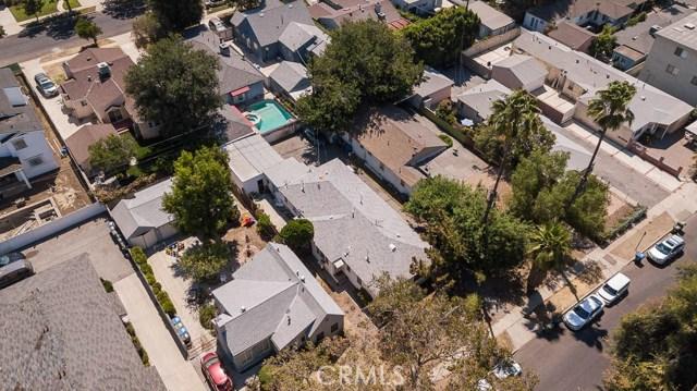 5228 Tilden Avenue, Sherman Oaks CA: http://media.crmls.org/mediascn/75c33f6c-5e7f-4681-ad19-8b84ecf33f33.jpg