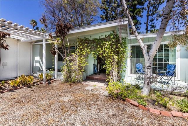 4245 Sepulveda Boulevard, Sherman Oaks CA: http://media.crmls.org/mediascn/75caa9b4-cb68-4285-9cc9-4b3f323cb163.jpg