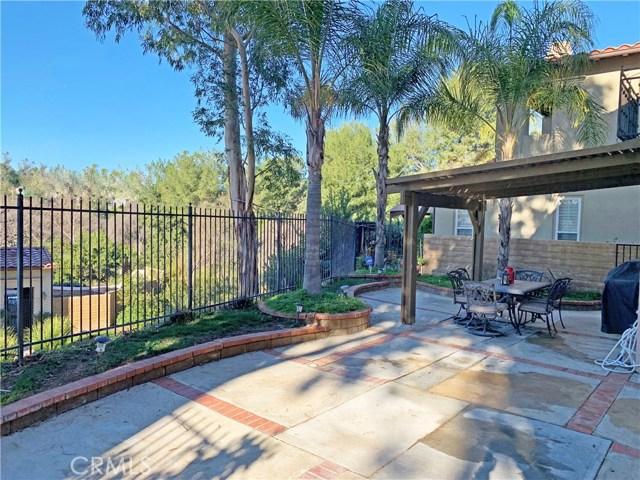 26915 Augusta Place, Valencia CA: http://media.crmls.org/mediascn/75ddf29e-9744-4577-bef9-7f905fdf38b5.jpg