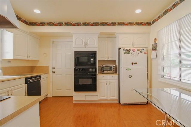 17234 Flanders Street, Granada Hills CA: http://media.crmls.org/mediascn/76100b41-5a03-40c4-9420-c6798bacee9b.jpg
