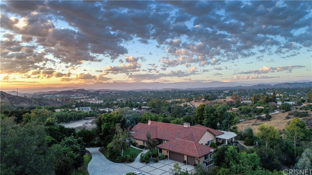 211 SUNDOWN ROAD, WESTLAKE VILLAGE, CA 91361