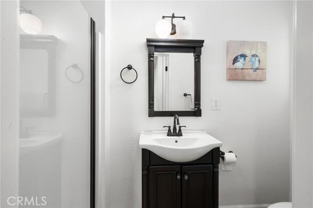 20324 Reaza Place, Woodland Hills CA: http://media.crmls.org/mediascn/769a4bf0-8823-4a78-accb-ca8c4f03c27e.jpg