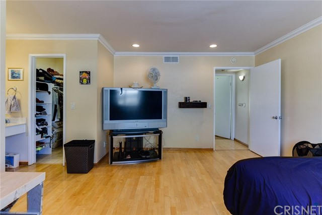 18631 Collins Street Unit 20 Tarzana, CA 91356 - MLS #: SR18194762
