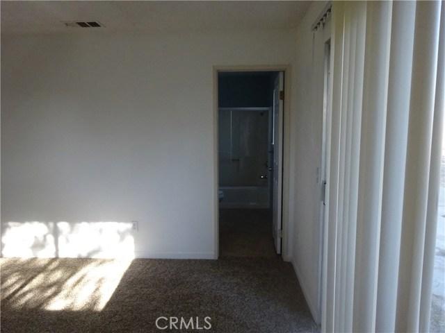 17308 Valeport Avenue, Lancaster CA: http://media.crmls.org/mediascn/76c1f703-8e4e-454b-a08d-bad9fa0cfc44.jpg