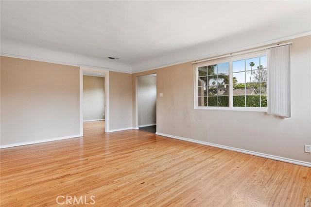 721 N Orange Grove Avenue, Los Angeles CA: http://media.crmls.org/mediascn/76c46f8e-e854-4eaa-9e7b-dd5fee257c74.jpg