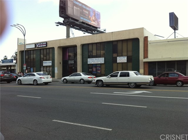 Single Family for Sale at 14540 Victory Boulevard Van Nuys, California 91411 United States