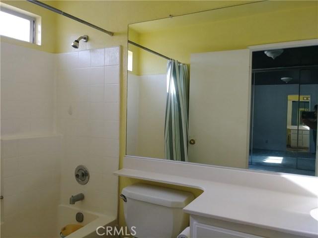 2439 E Avenue R4, Palmdale CA: http://media.crmls.org/mediascn/76f85d3b-f2ef-4869-bc86-7cf8cbe04211.jpg