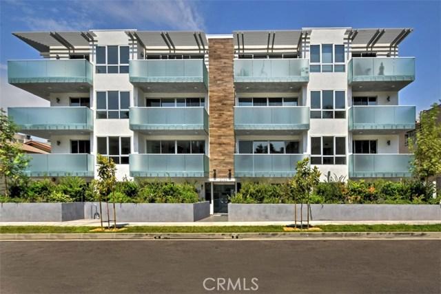 12045 Guerin Street, Studio City CA: http://media.crmls.org/mediascn/7702acea-d0bf-482f-b033-f7955e91b7aa.jpg