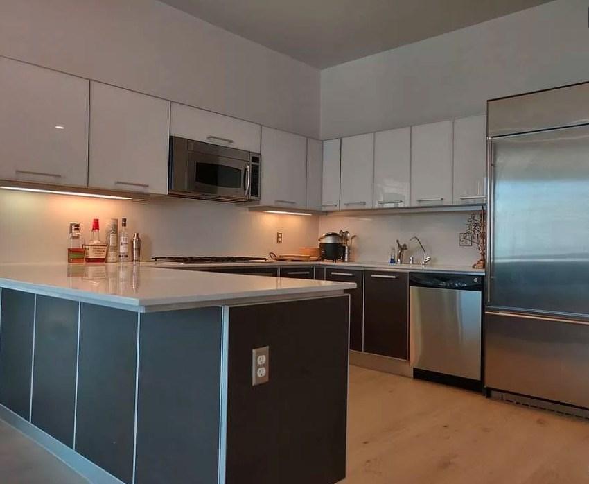 801 S Grand Avenue, Los Angeles CA: http://media.crmls.org/mediascn/7714d9c4-3299-4afb-a077-783fdc23e415.jpg