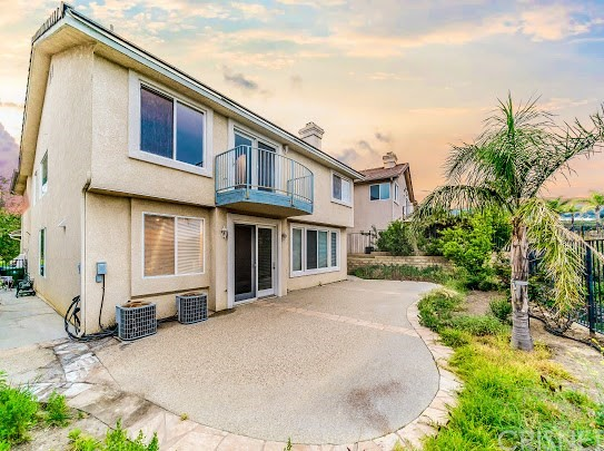 11760 Mariposa Bay Lane, Porter Ranch CA: http://media.crmls.org/mediascn/77202460-aad0-4463-9c0f-a6a9565cf1d2.jpg