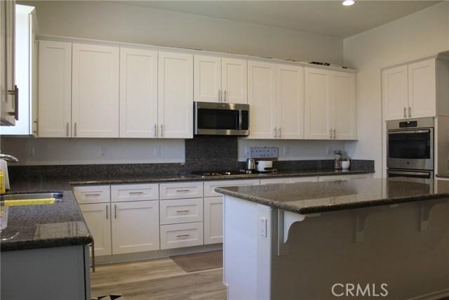 43942 Windrose Place, Lancaster CA: http://media.crmls.org/mediascn/773c1fdb-e0e8-4c3f-abf3-0f94610f7c8b.jpg