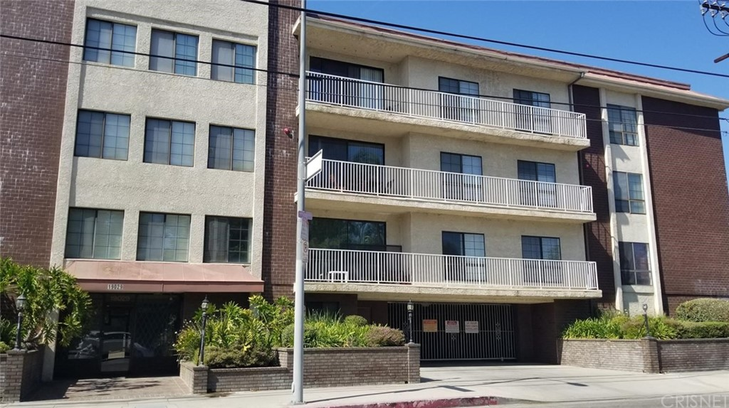 Photo of 19029 Nordhoff Street #302, Northridge, CA 91324