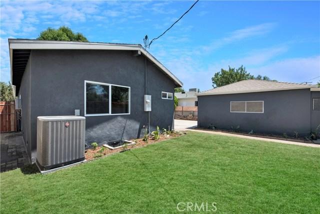 6633 Costello Avenue, Valley Glen CA: http://media.crmls.org/mediascn/777b62e2-6b51-44de-a040-95006dfdffd6.jpg