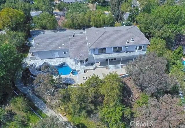 24833 Jacob Hamblin Road, Hidden Hills CA: http://media.crmls.org/mediascn/778ac3bb-a9d5-4abf-b5c2-2c5f67502133.jpg