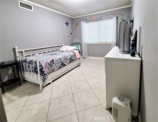 10609 Reseda Boulevard, Northridge CA: http://media.crmls.org/mediascn/779630f9-4a22-4041-9a00-d8f721480903.jpg