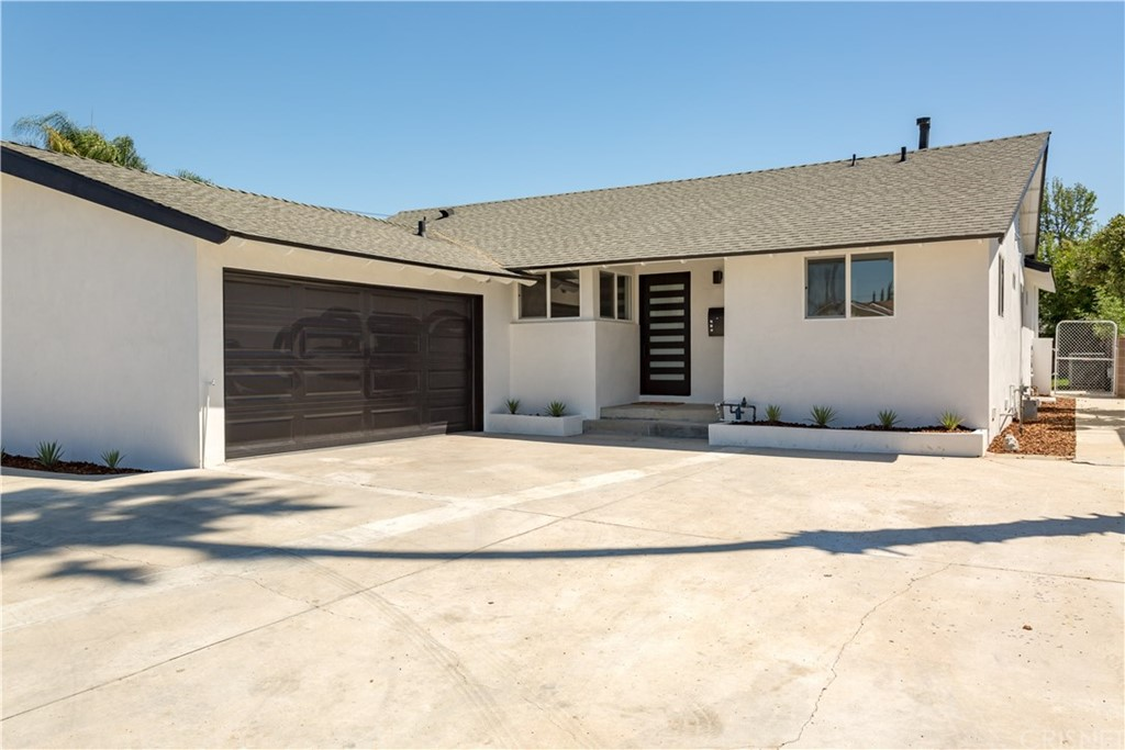 Photo of 7622 BLUEBELL AVENUE, North Hollywood, CA 91605