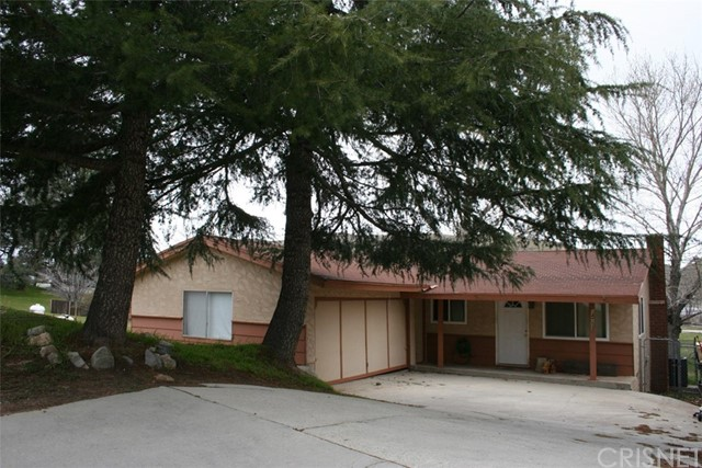 Single Family Home for Sale at 14753 Lakemont Road Lake Elizabeth, California 93532 United States