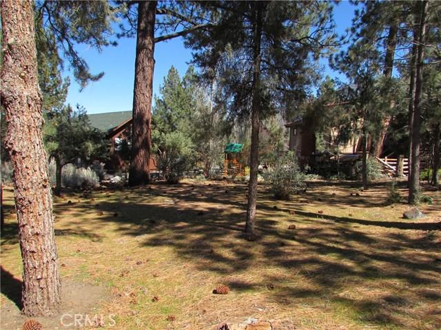16606 Sandalwood, Pine Mtn Club CA: http://media.crmls.org/mediascn/77f38270-7b43-4a94-b7db-0c1cb7b11dff.jpg