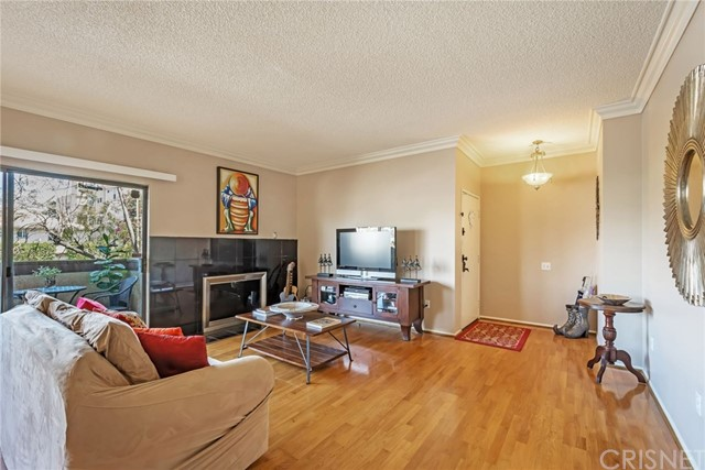 14348 Burbank Boulevard Unit 1 Sherman Oaks, CA 91401 - MLS #: SR18104939
