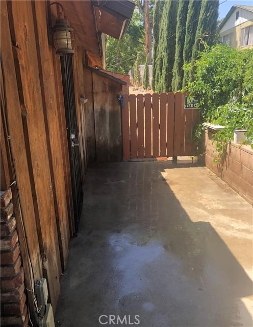 40415 90th W Street, Leona Valley CA: http://media.crmls.org/mediascn/786f6619-9198-4933-baa4-518e00438bb0.jpg