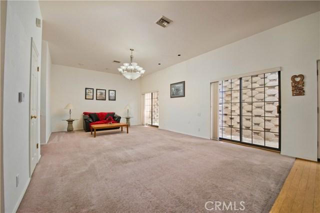 5832 Oak Knolls Road, Simi Valley CA: http://media.crmls.org/mediascn/787a464d-38eb-4411-a033-7ca44e89ca5b.jpg