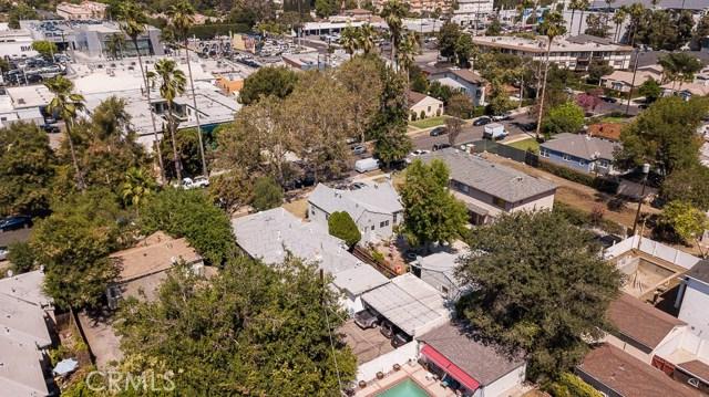 5228 Tilden Avenue, Sherman Oaks CA: http://media.crmls.org/mediascn/789dd8d2-bdda-4863-88e3-d73ba7ecf872.jpg