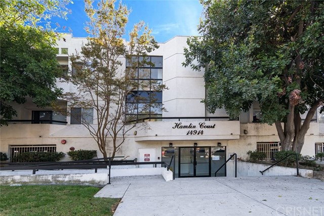 Detail Gallery Image 1 of 1 For 14914 Hamlin St #109,  Van Nuys,  CA 91411 - 2 Beds | 2 Baths