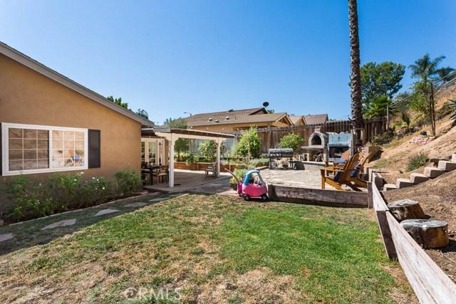 22989 Mulberry Glen Drive, Valencia CA: http://media.crmls.org/mediascn/791531ba-0705-4aff-98a7-e08b8a7dd36d.jpg