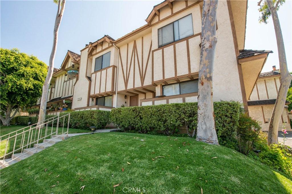 Photo of 10338 Zelzah Avenue #2, Northridge, CA 91326